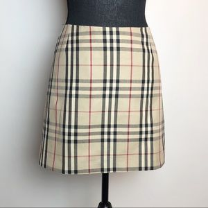 Burberry | Classic Plaid Skirt | 4 Reg.
